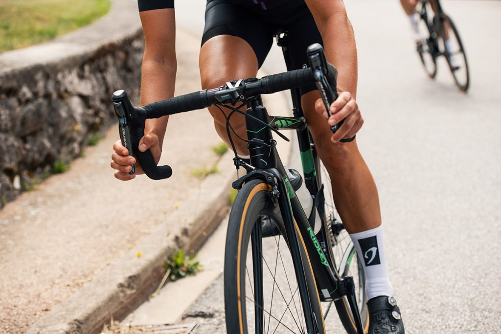 Top 6 beginner road bike upgrades- handlebar