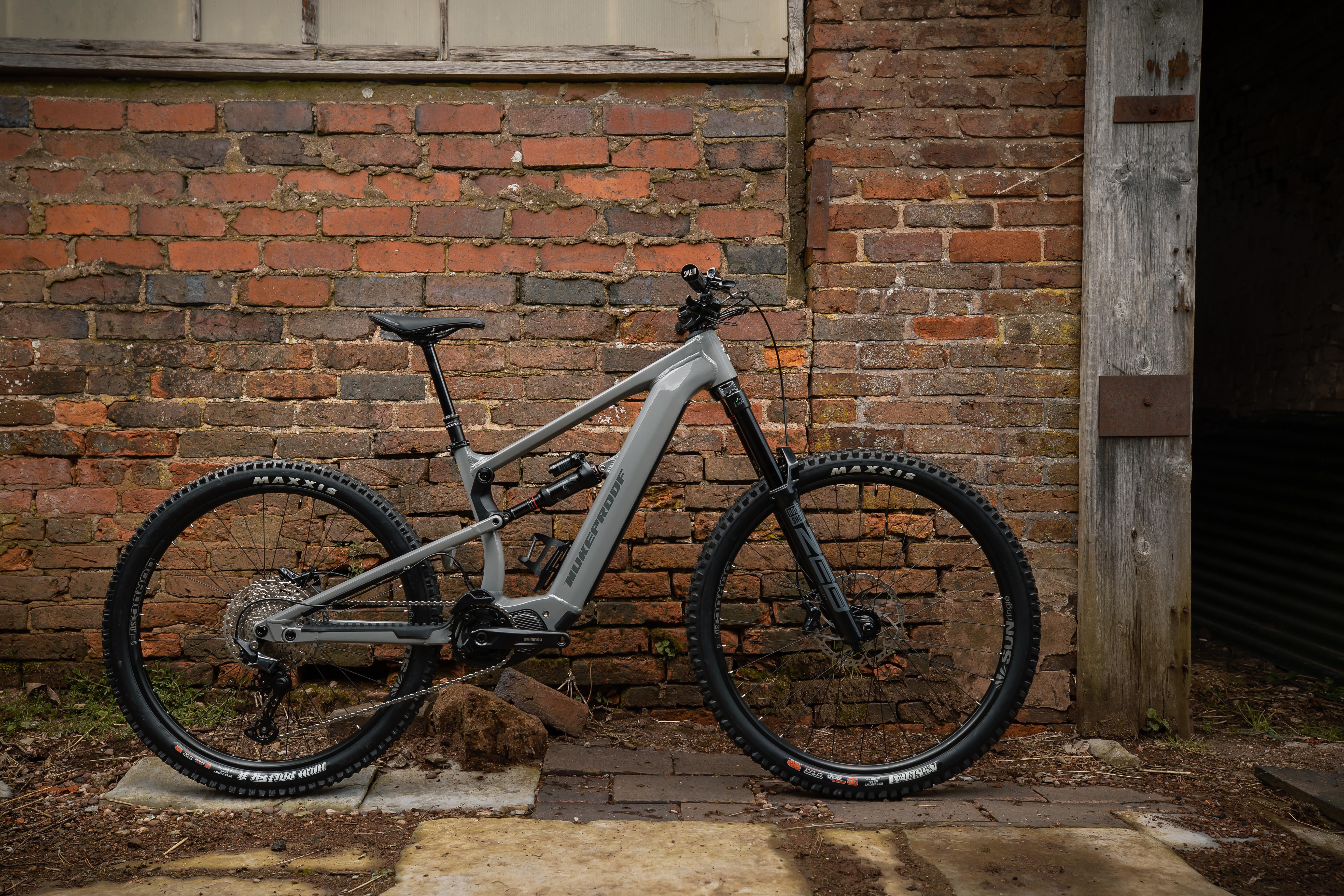 Nukeproof Megawatt 297 Comp Bike